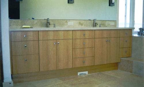 Custom Bathroom Cabinets And Vanities